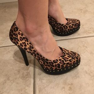 "BKE Shoes - Studded Leopard Print 5"" Heels 7.5 BKE"